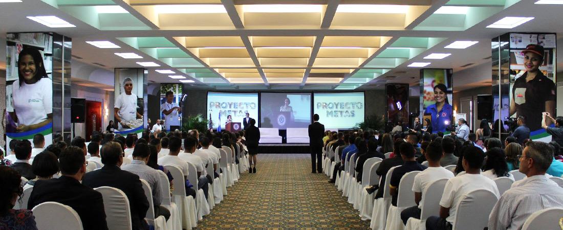 Photo of Proyecto METAS ceremony